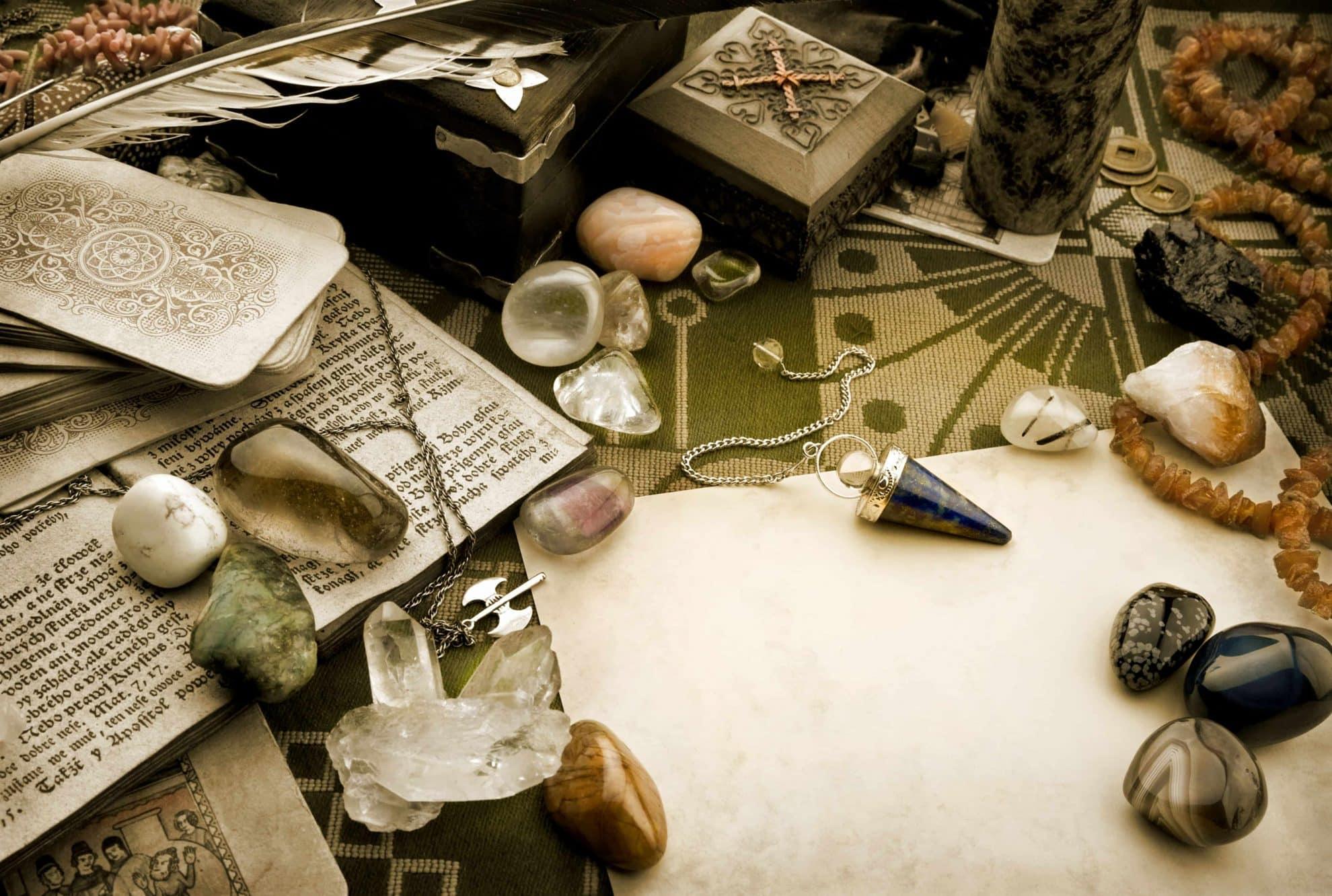 talismani, amajlije, srećonoše, urok, uroci, zaštita od uroka